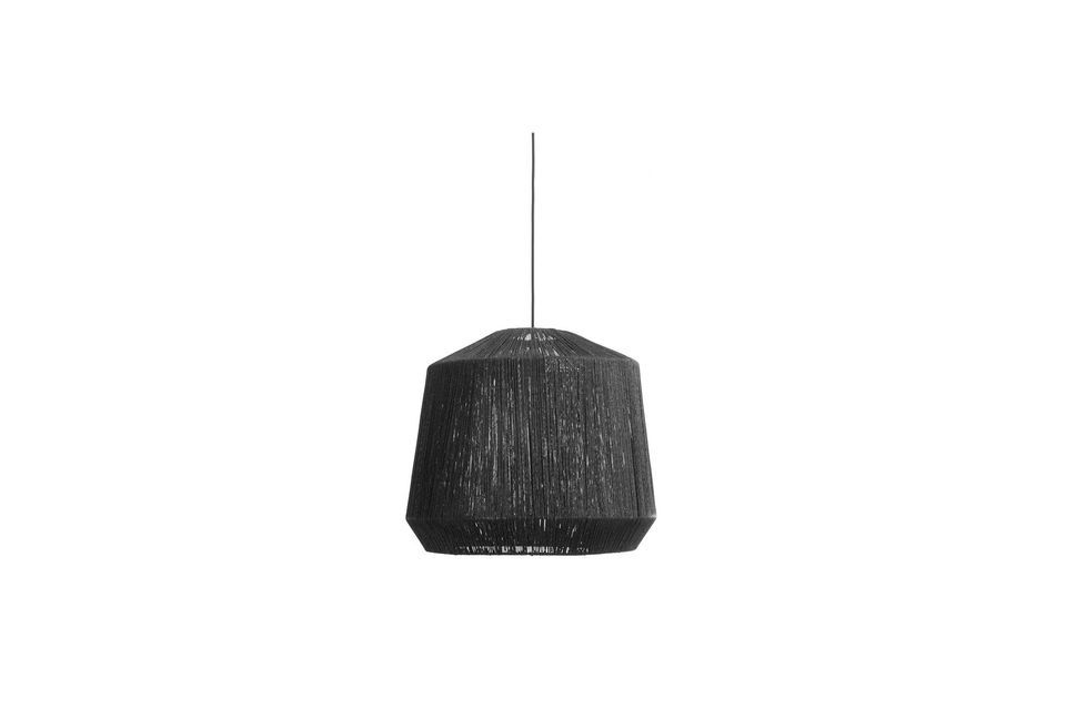Cette lampe à suspendre possède un abat jour d\'un diamètre de 55 cm