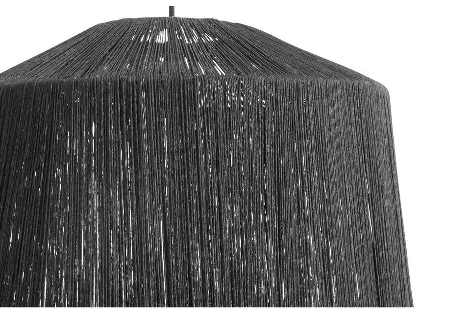 Un abat jour noir en fibre de jute à suspendre