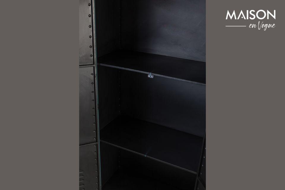 Ce cabinet a été conçu en métal avec deux poignées hautes lui permettant de s\'ouvrir sur deux