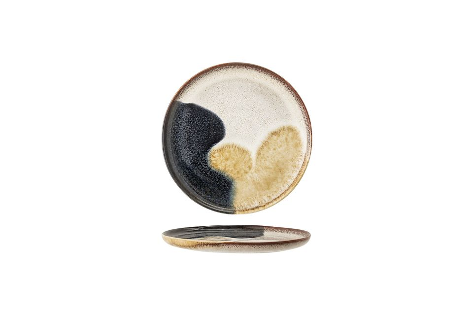 Sa fabrication artisanale à base de grès fait que chaque modèle a un motif unique