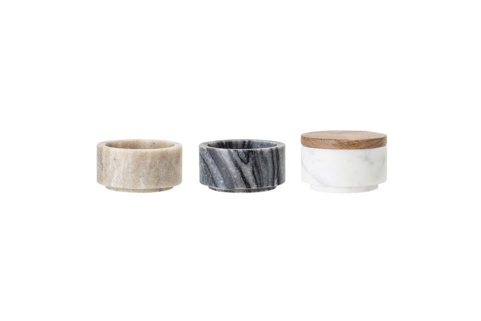Ces trois bocaux en marbre de différentes couleurs sont indispensables pour votre cuisine