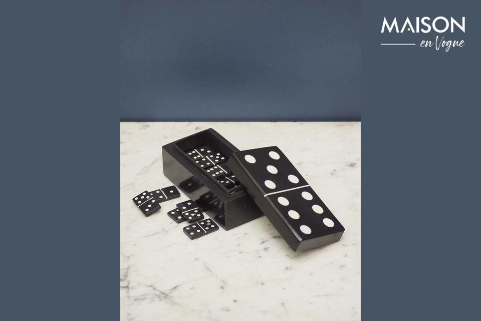 La boîte à dominos à la fois toute simple et empreinte d'originalité