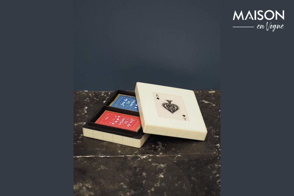 La boîte à jeux de cartes, pratique et décorative à la fois