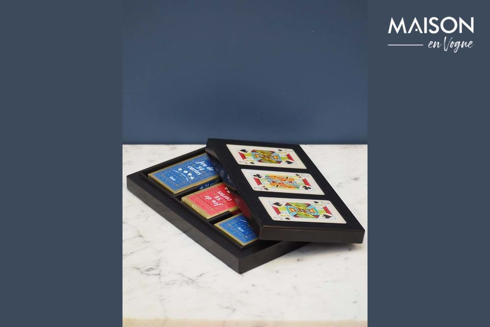Une jolie boîte design pour ranger vos jeux de cartes
