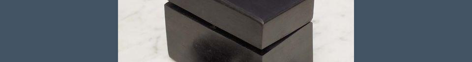 Mise en avant matière Boîte en bois à dominos Bouhey avec détails en laiton