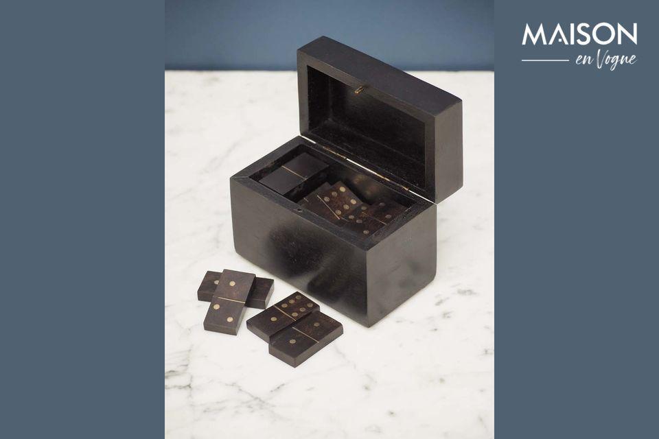 Une élégante boîte à dominos au style authentique