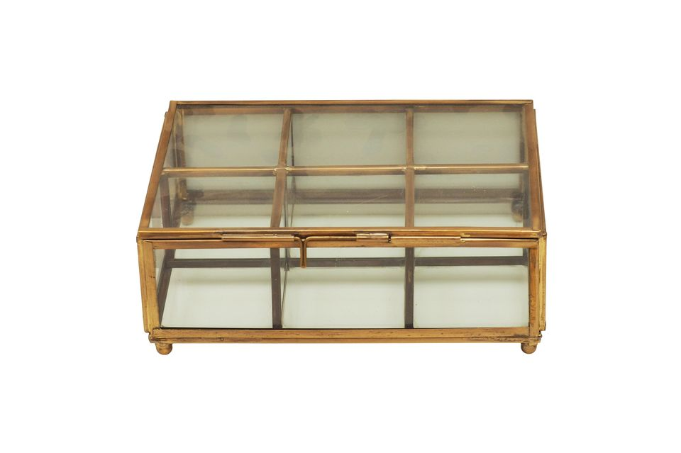 La boîte à bijoux Tencin saura vous séduire par sa transparence permettant une recherche facile