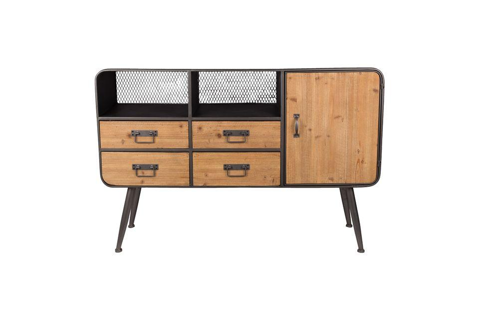 Deux petits boxes à fond grillagé complètent ce meuble