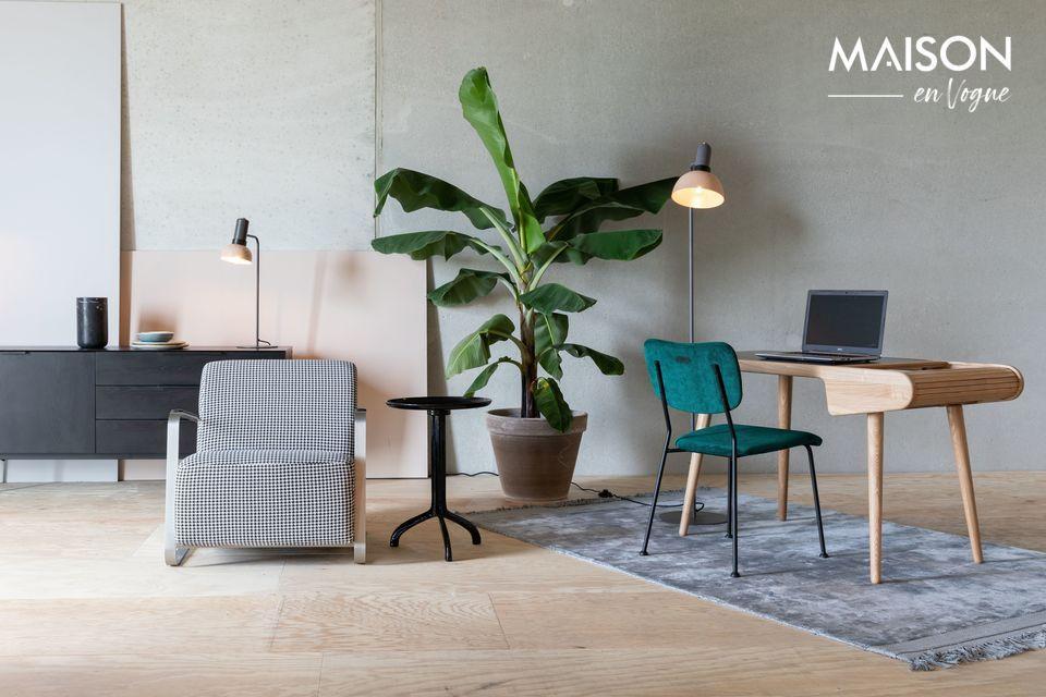 Un bureau solide et raffiné