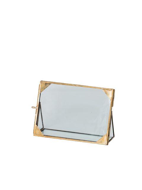 Ne laissez plus dormir vos souvenirs au fond d\'une boîte avec cet élégant cadre en verre Jardres
