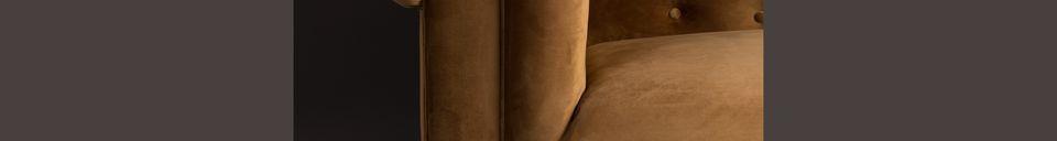 Mise en avant matière Canapé Chester en velours or-brun