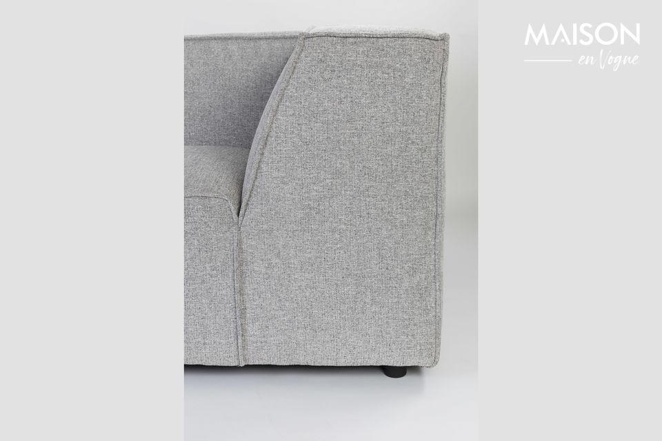 Ce canapé peut recevoir 3