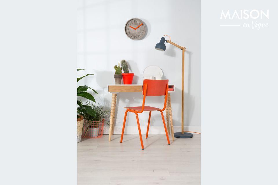 Cette chaise Back to School donnera de la fraîcheur à votre décoration intérieure en même temps