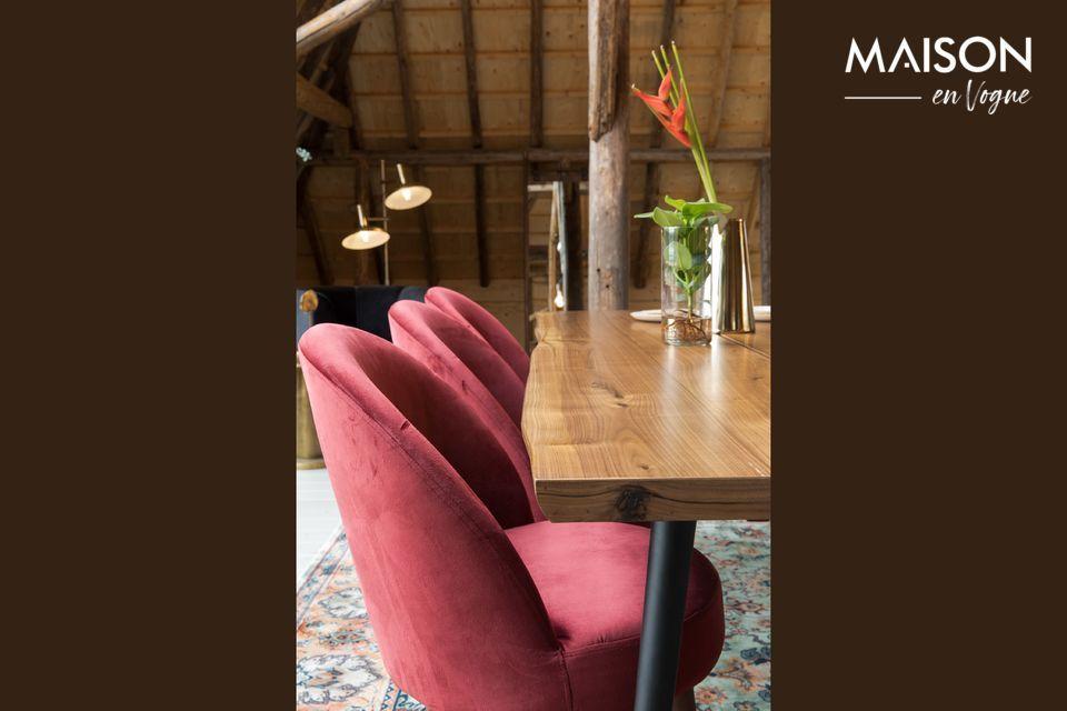 Très jolie chaise en velours rouge