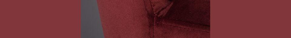 Mise en avant matière Chaise Barbara en velours rouge