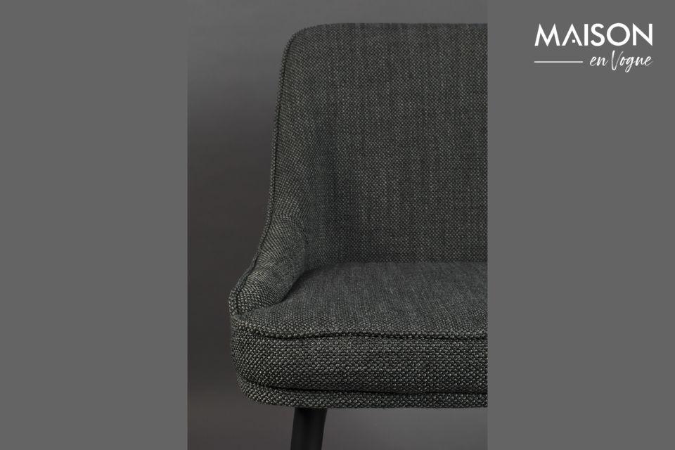 Une chaise qui trouvera naturellement sa place autour d\'une table à manger