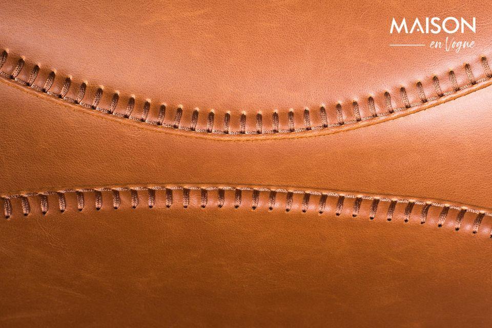 Ce modèle signé HKliving est équipé d\'une base en étoile sur roulettes conçue en acier