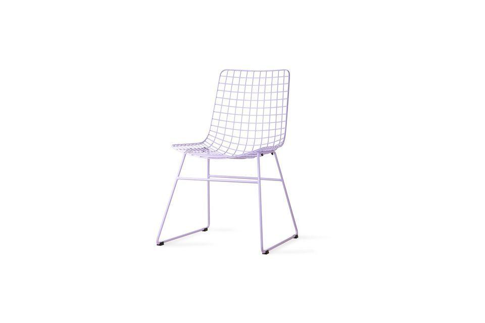 Chaise en métal couleur lilas