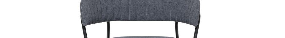 Mise en avant matière Chaise Form grise en polyester