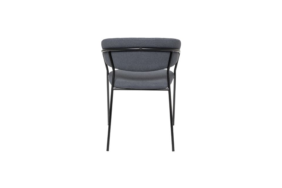 Cette chaise Form est une création élégante signée Bloomingville