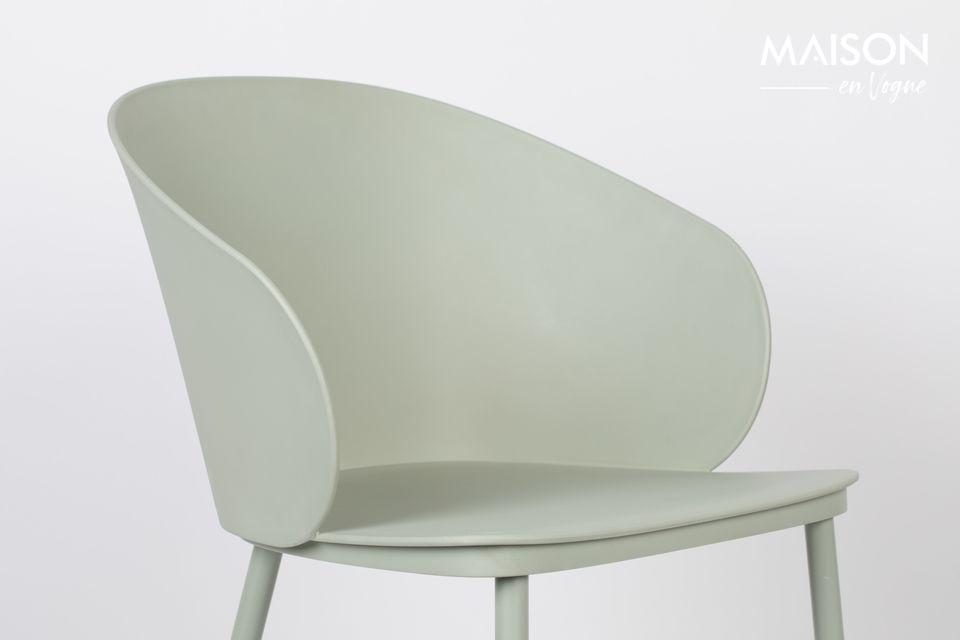 Une chaise au look minimaliste