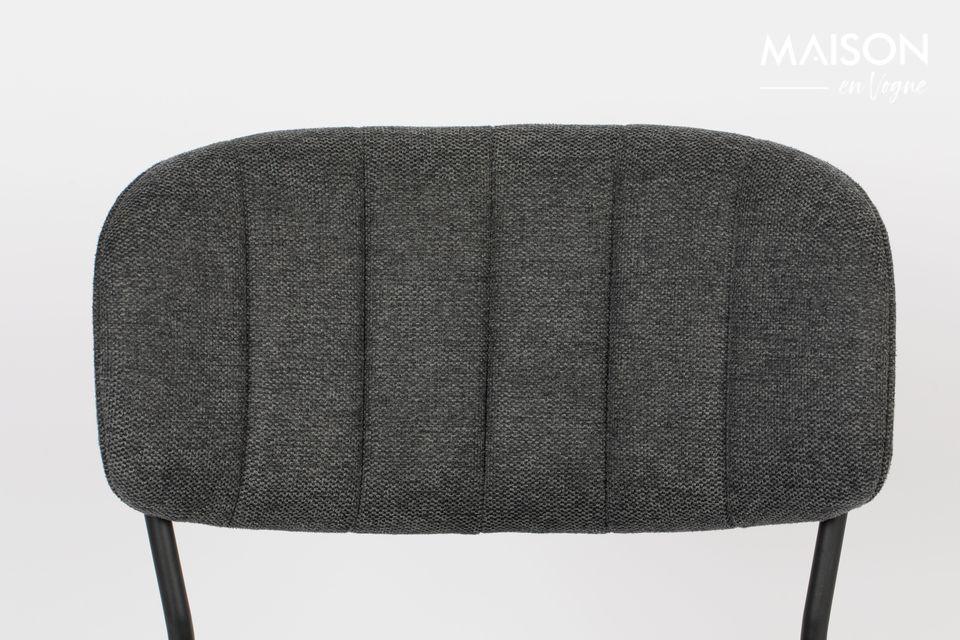 La chaise Jolien de la marque White label living offre un niveau de confort inégalé