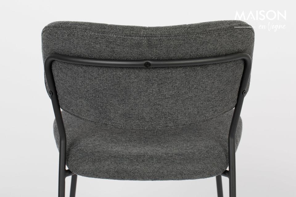 Elle peut servir de chaise de bureau ou de réception dans votre salle à manger