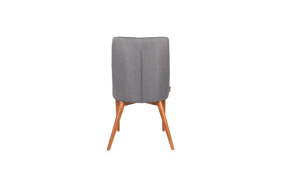 Cette chaise combine parfaitement le confort et l\'élégance