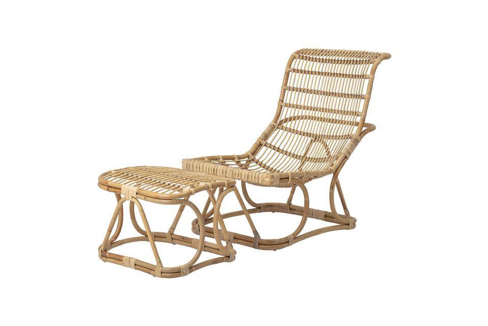 Pour optimiser son confort, ce siège est fourni avec un repose-pieds large et confortable