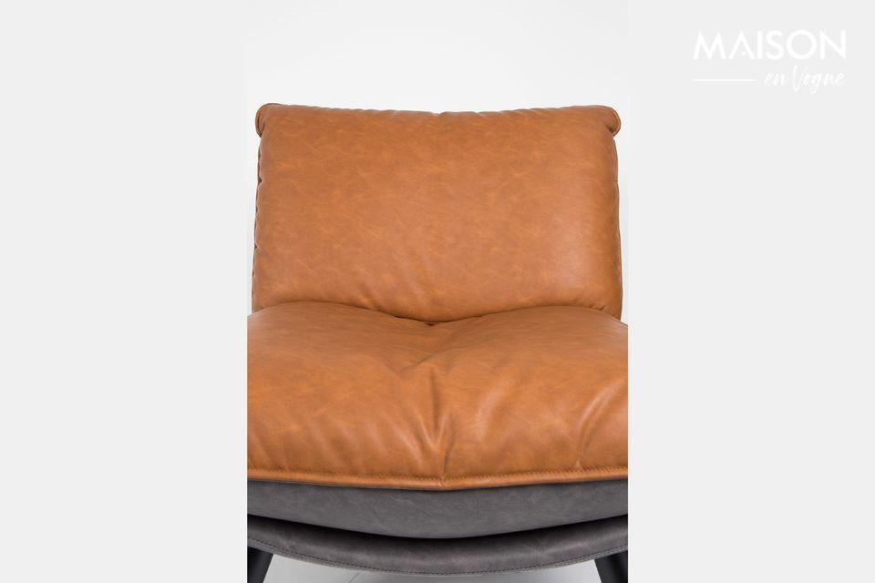 Une chaise confortable dévoilant un design vintage et des finitions raffinées
