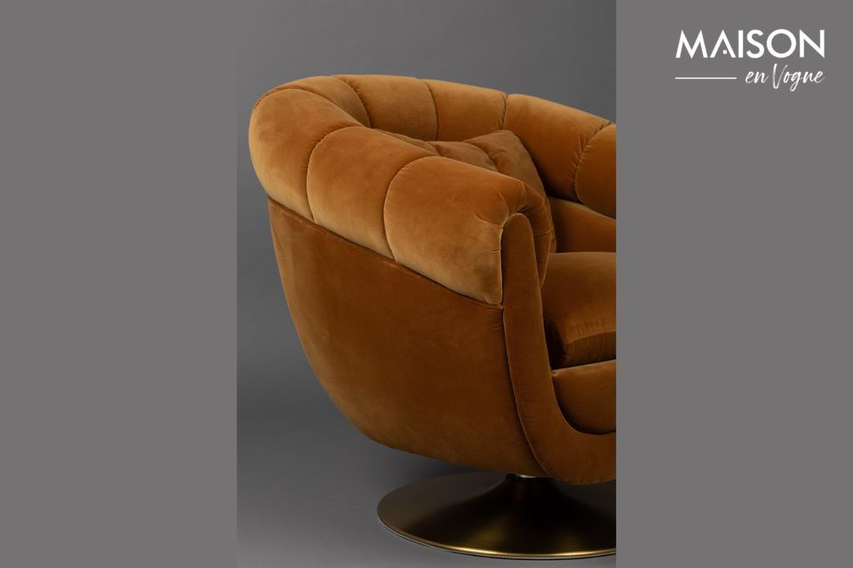 Avec une profondeur d\'assise de 56 cm, cette chaise lounge est très confortable