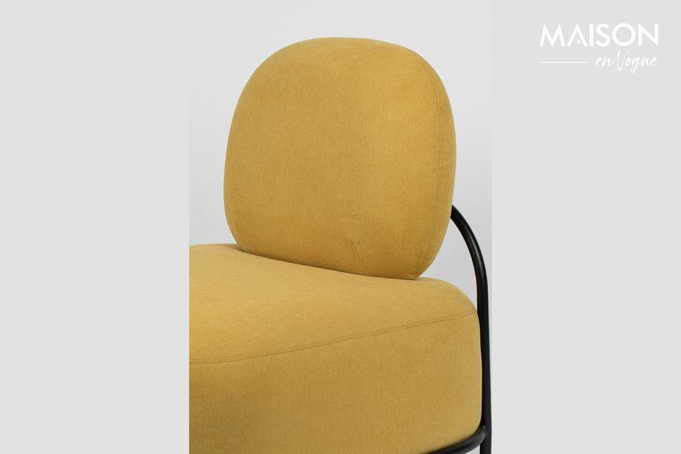 Ce fauteuil, jaune en l\'occurrence, est en effet formé de deux gros blocs arrondis de mousse PU