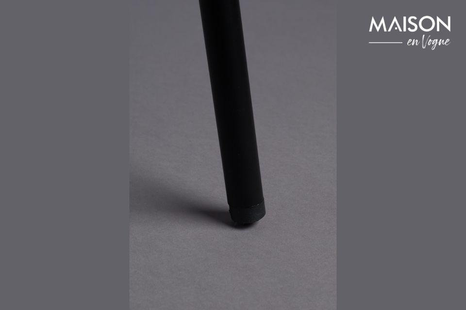 La structure en métal noir est fine, dans un style très élégant