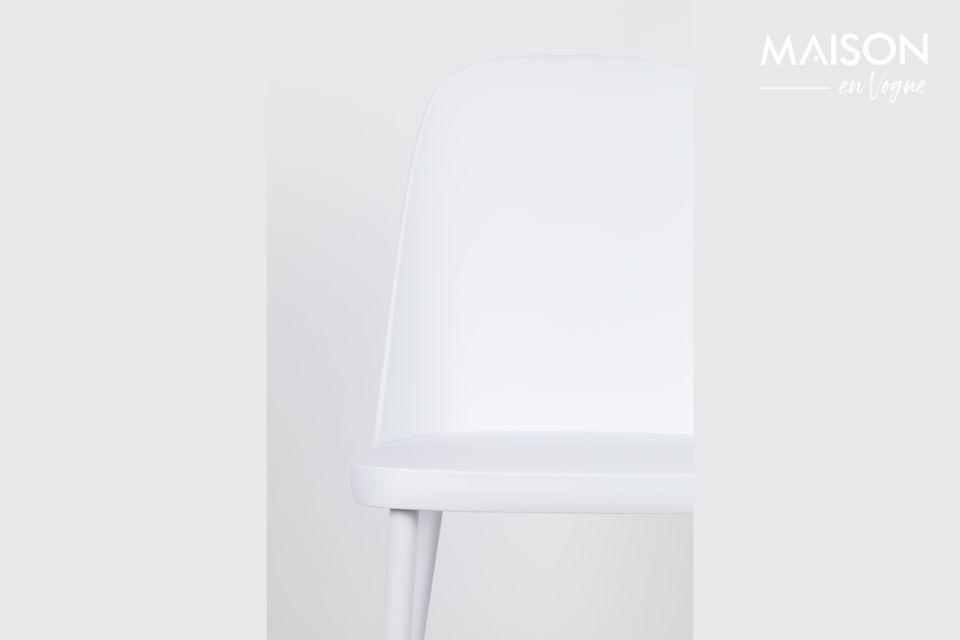 Une chaise où simplicité et sobriété sont de mise