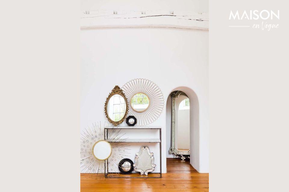 Une console à deux étagères en marbre et en métal de style art déco