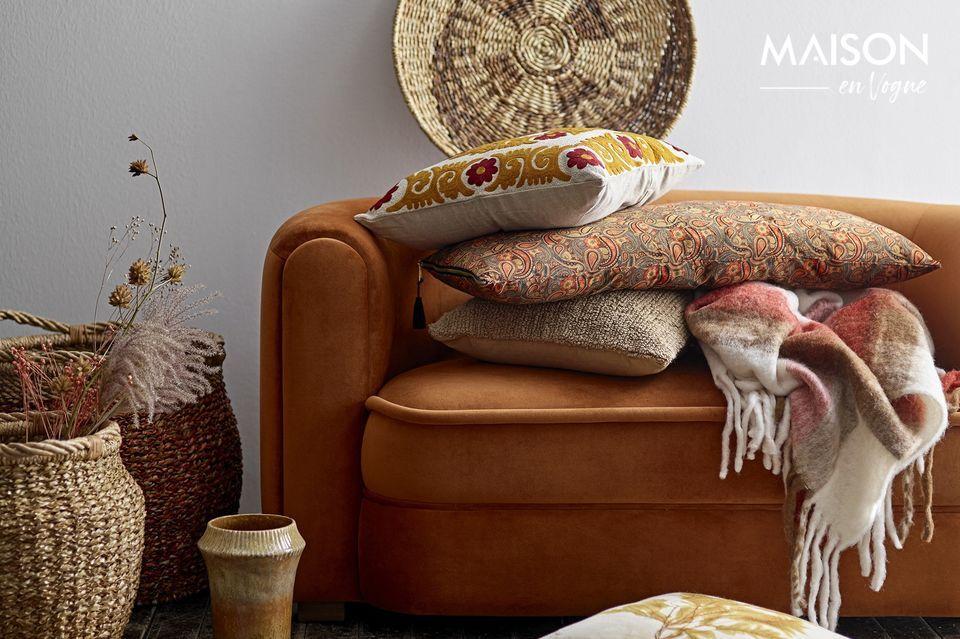 Il s\'intégrera à la perfection sur un sofa ou un lit aux coloris assortis