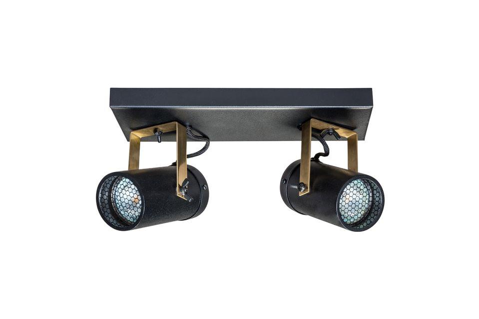 Inclinez et orientez les spots à votre guise pour un éclairage optimal et ajoutez une touche