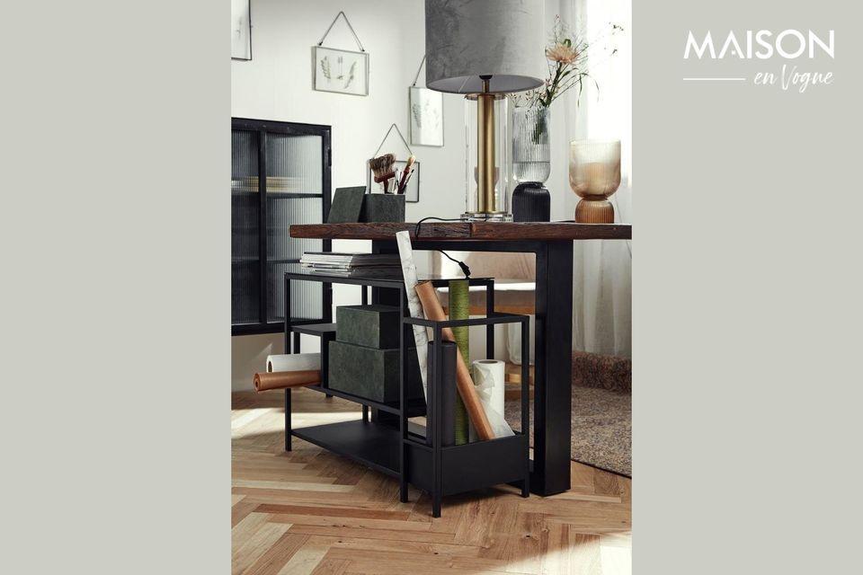 Découvrez cette étagère à chaussures en fer noir surplombée d\'un comptoir esthétique en verre