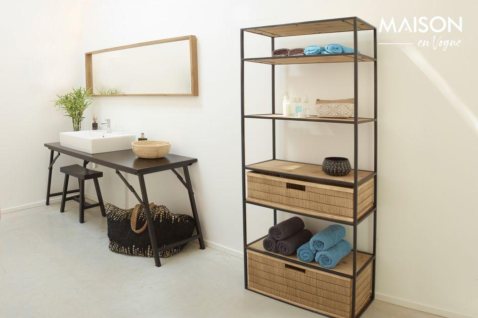 L\'étagère Eszential en métal noir et en bois naturel est le meuble décoratif essentiel à