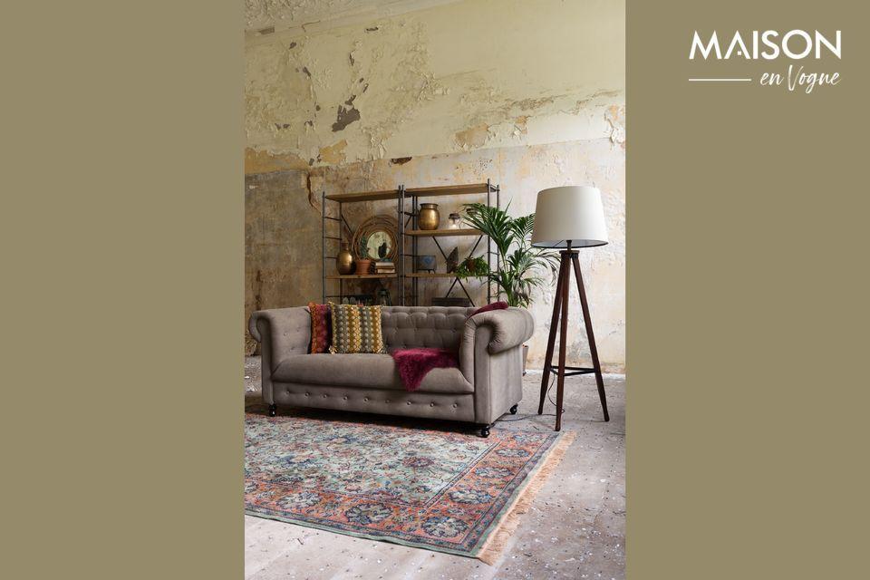 Cette caractéristique en fait un meuble polyvalent, très apprécié à la maison