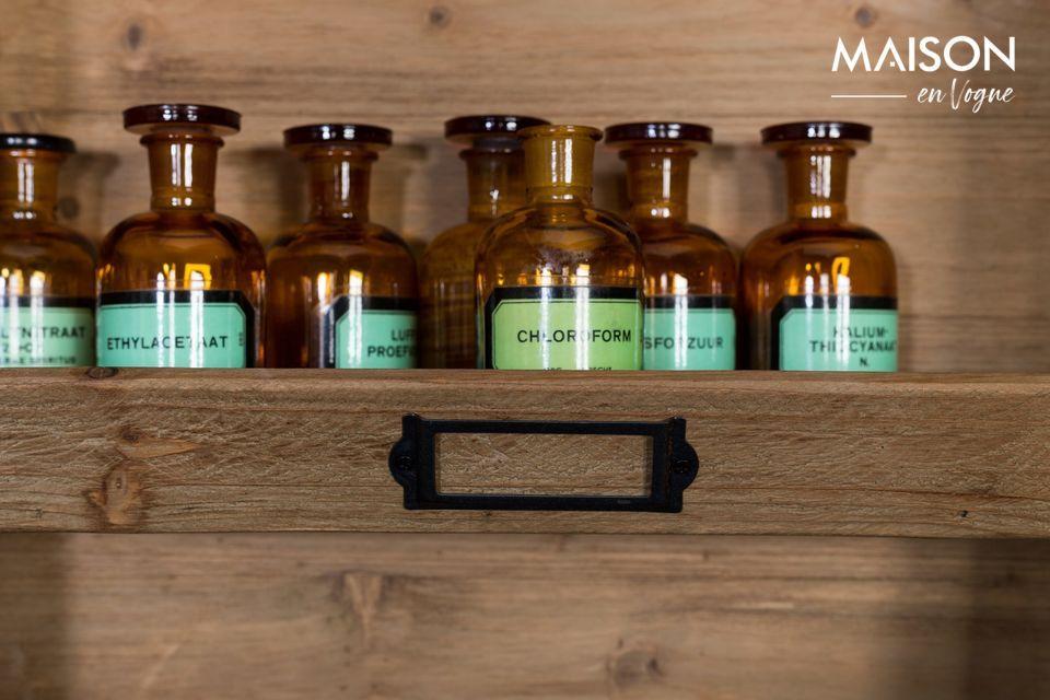 Avec cette étagère, donnez un style d\'épicerie ou de pharmacie à l\'ancienne à votre cuisine