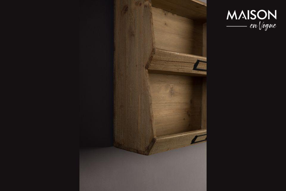 Cette robuste étagère en sapin naturel aux finitions à l\'ancienne permet le rangement de