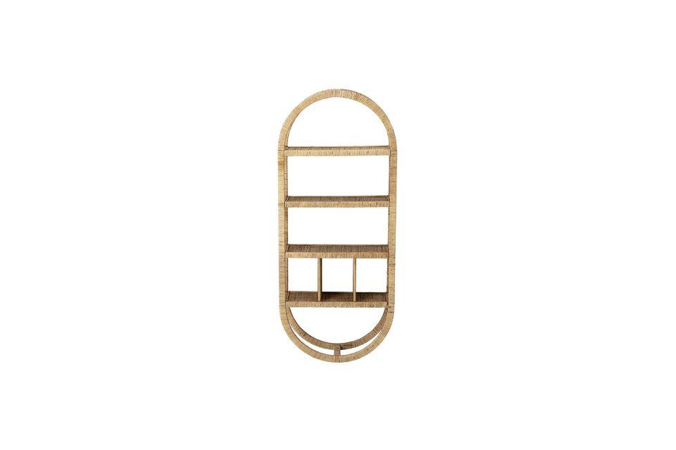 Cette étagère en sapin recouvert de rotin se fera remarquer par son étonnante forme ovale