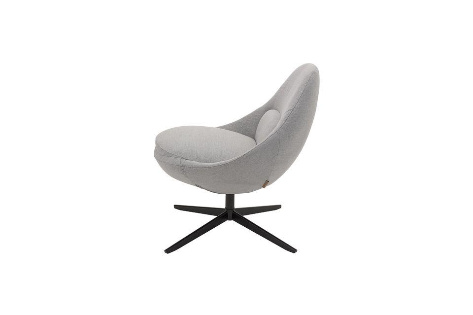 Optez donc pour le style nordique avec le superbe fauteuil gris Dawn de la marque Bloomingville