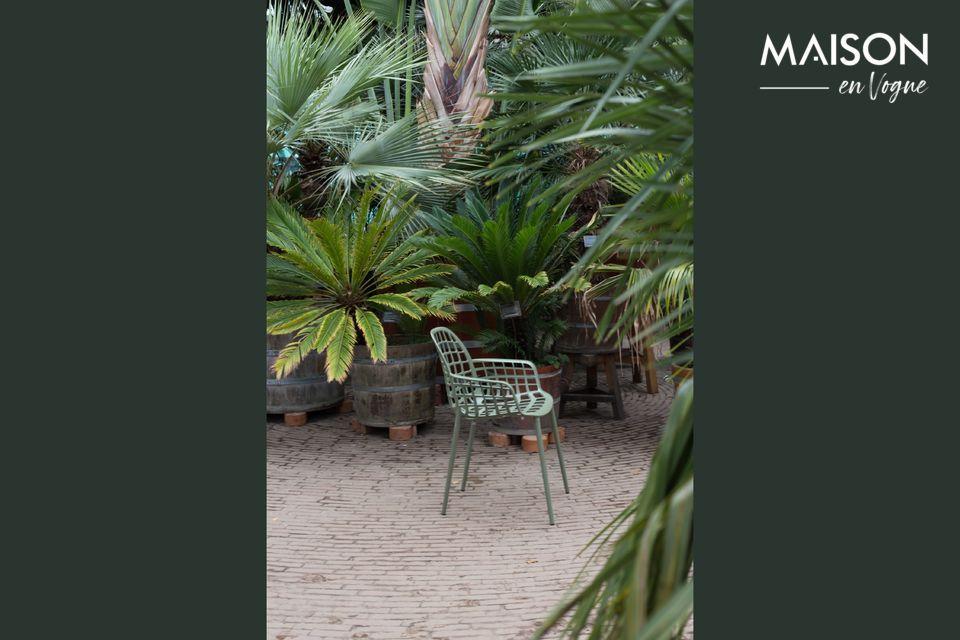 Le fauteuil Albert Kuip Vert Jardin est idéal pour se prélasser au soleil