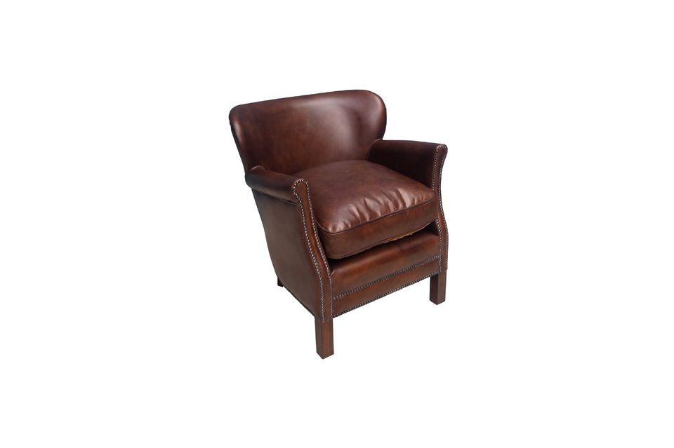 Ce beau canapé a un flair tout britannique empreint de classicisme au goût exquis