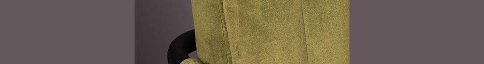 Mise en avant matière Fauteuil en velours Stitched olive