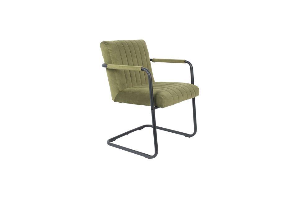 Ce fauteuil est esthétique, aux lignes minimalistes et à l\'assise confortable