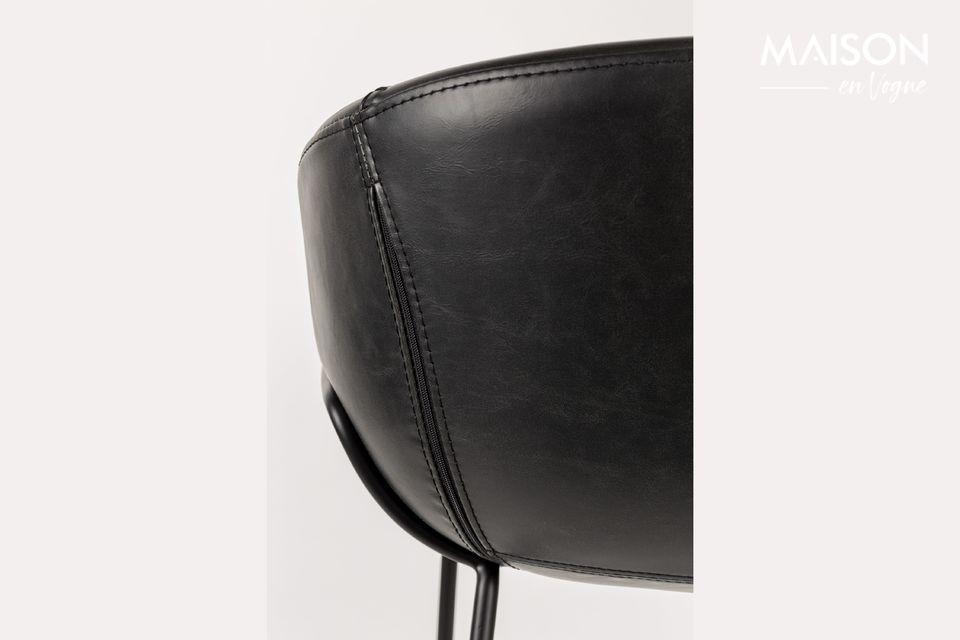 En plus d\'être polyvalent, il offre une assise large particulièrement confortable