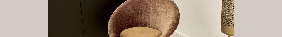 Mise en avant matière Fauteuil Garbo en velours caramel